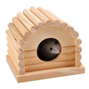 אוגר בתוך בית מעץ